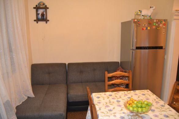 Уголок  из диванов на кухне у Нази