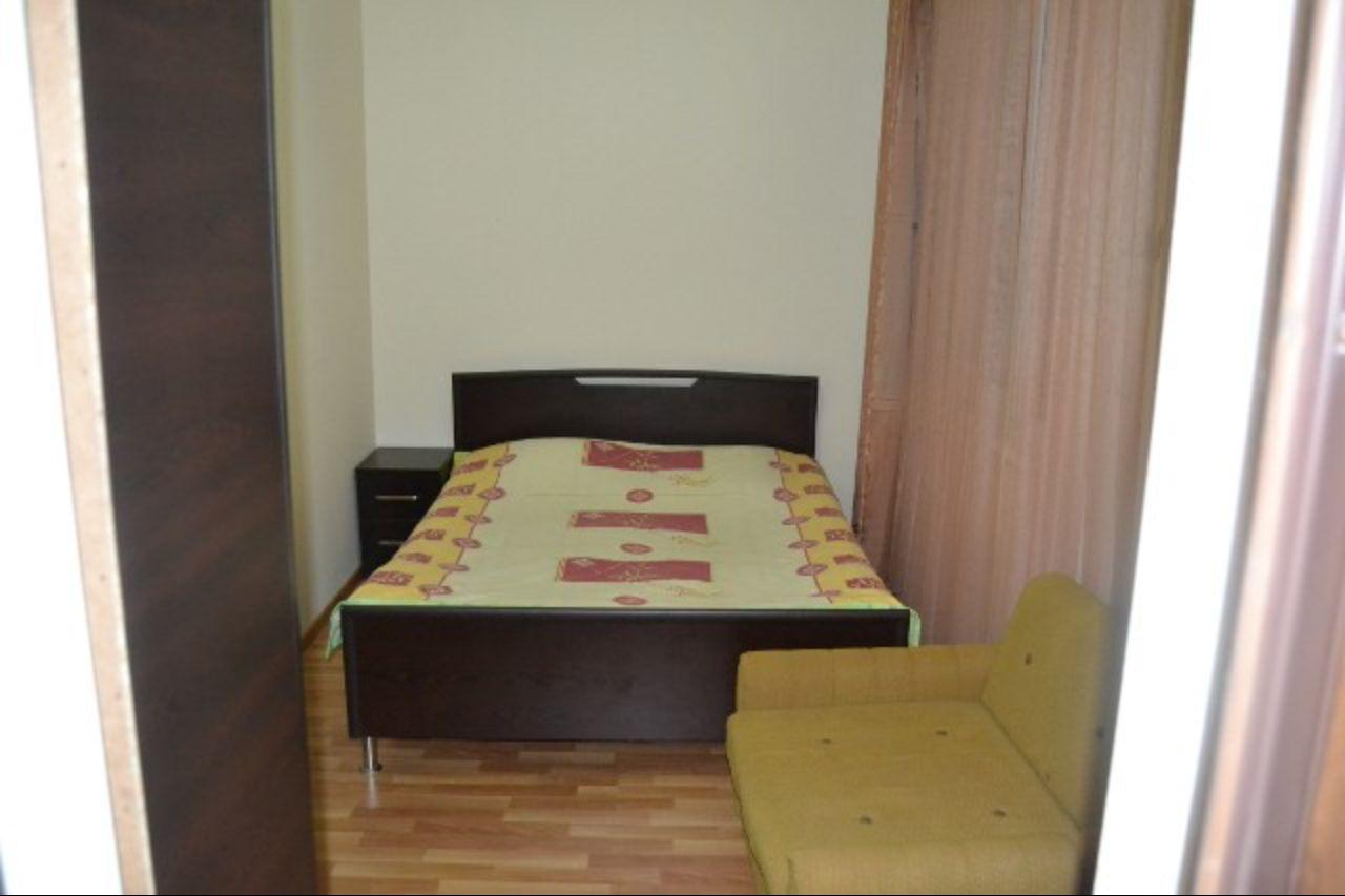 Комната в доме у Нази